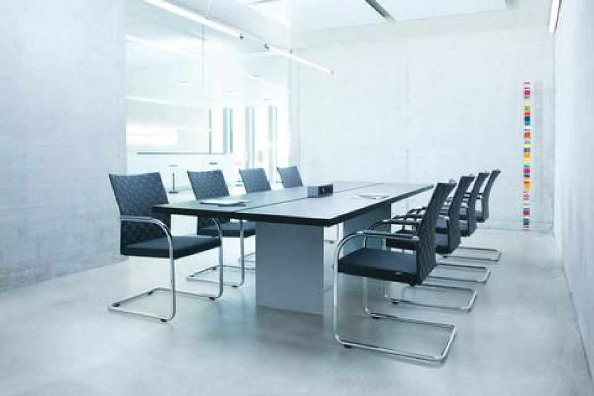Girsberger corpo luge round office mobilier de bureau for Mobilier bureau 67