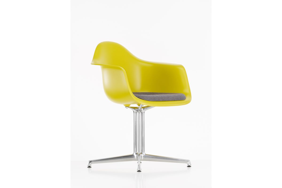 Vitra eames plastic armchair dal round office mobilier for Mobilier eames