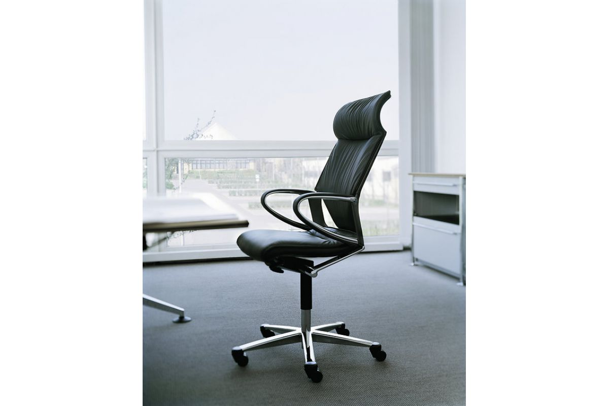 Wilkhahn modus executive round office mobilier de for Mobilier bureau 95