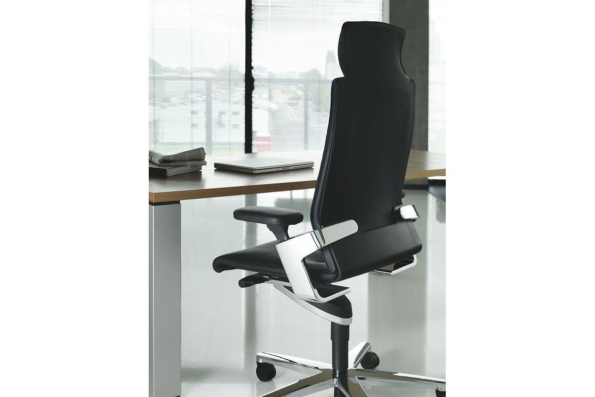 wilkhahn on 175 71 round office mobilier de bureau gen ve. Black Bedroom Furniture Sets. Home Design Ideas